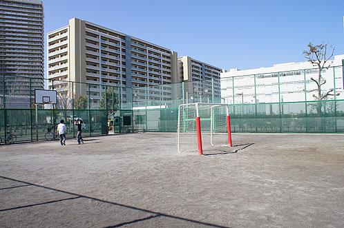 が 公園 ある の バスケット ゴール 近く
